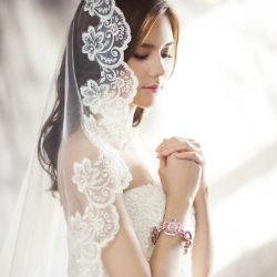 Braut am Nachdenken